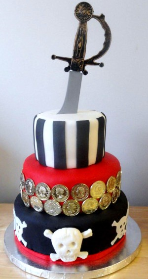 tort z szablą