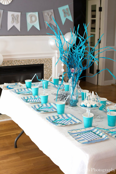 Color-Coordinated-Table-Settings