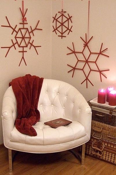 DIY-Popsicle-Stick-Snowflakes