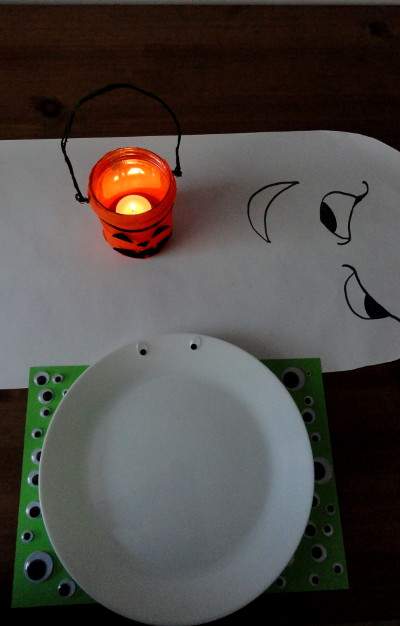 stol na halloween DIY